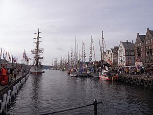 ベルゲン港 祭り01