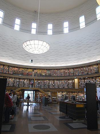 ストックホルム市立図書館 内部空間01