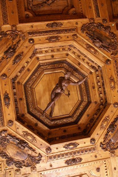ceiling_20110903211521.jpg