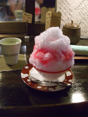 いちごのふわふわかき氷♪