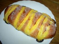 クリームの練りこんであるパン