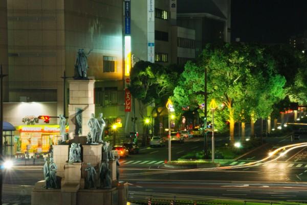 秋の鹿児島中央駅前