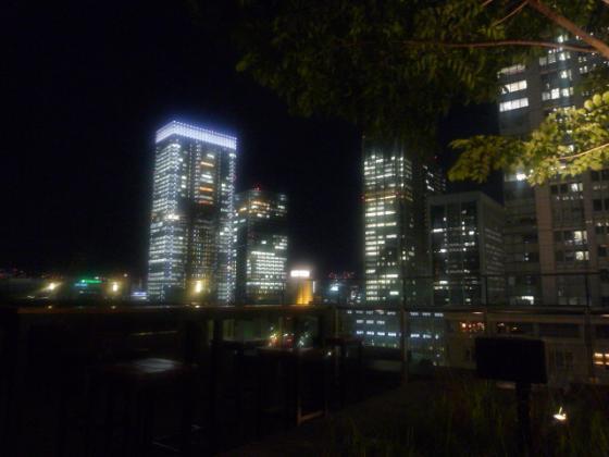 東京駅の夜景を一望できるロケーション!