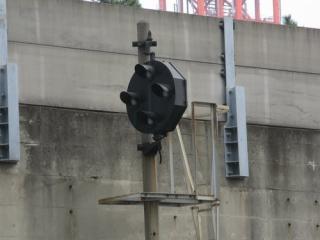 撮影日:2008年9月6日 カメラ:CanonPowerShotA700 焦点距離:35mm 露出モード:オート(シャッター速度:1/250秒 絞り:F4.8 感度:オート) トリミング