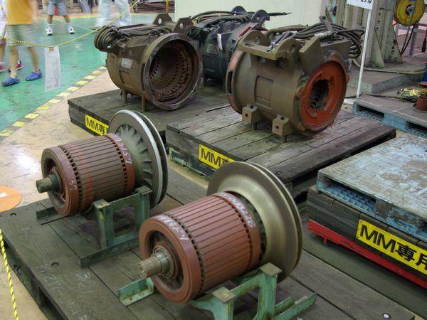 撮影日:2008年8月23日 カメラ:PENTAX K10D レンズ:smcPENTAX-DA18-55mmF3.5-5.6AL 焦点距離:21mm 露出モード:オート(シャッター速度:1/10秒 絞り:F4 感度:ISO-400)