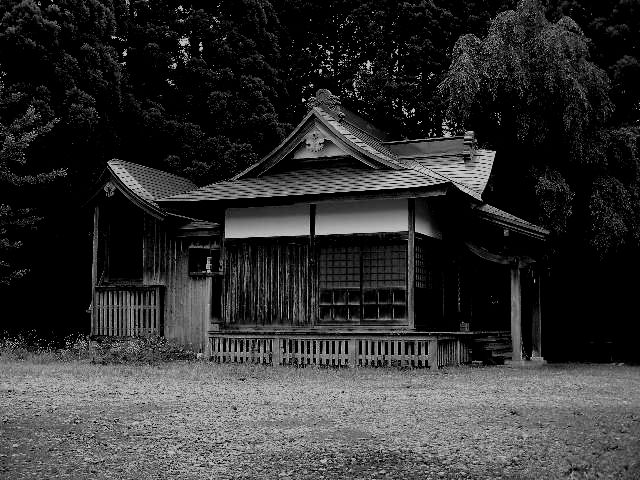 神社白黒02