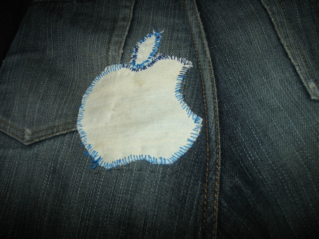 JEANS-oshiri-Apple.jpg