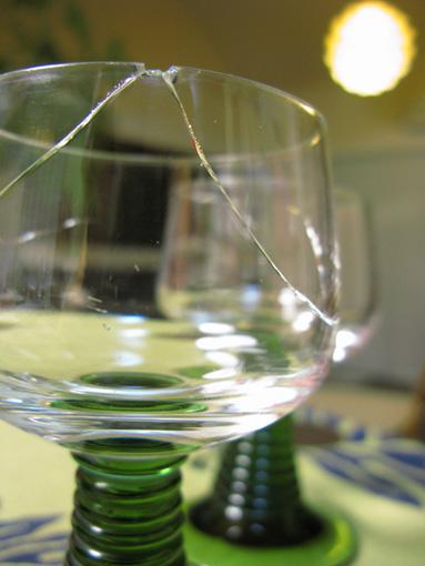 グラス割れ事件4