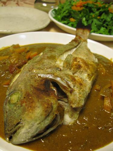 タイの唐揚げカレーソース