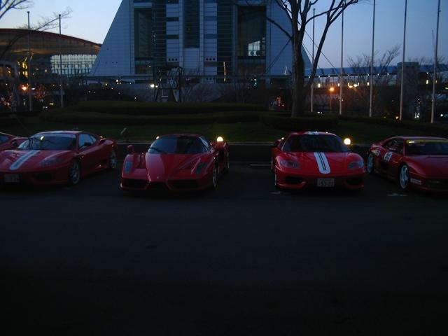 式場前のフェラーリ-2