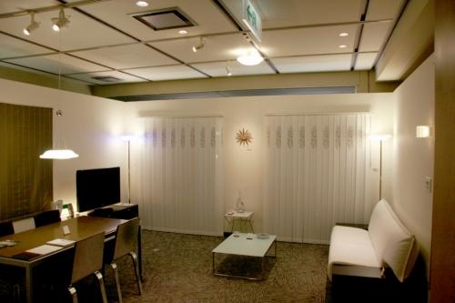 s-09-11-19_LaVita高知_LED展示?