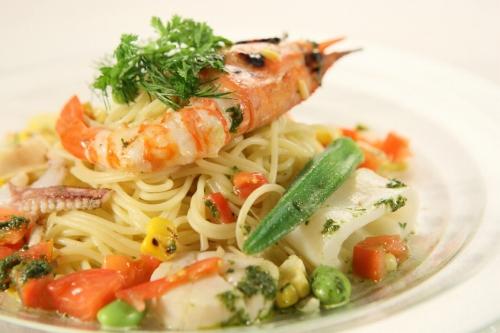 s-ボタン海老と夏野菜のフェデリーニLA_27433