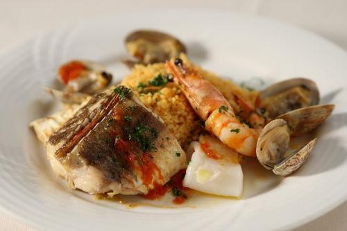 12-02 限定ディナー メイン 本日の鮮魚と天使の海老のポワレ 世界最小のパスタ クスクス と一緒に