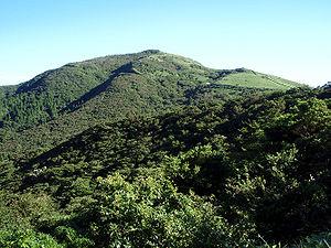300px-Mount_Daruma_Summer_20100718.jpg