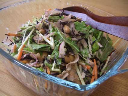 ひじきと水菜のサラダ