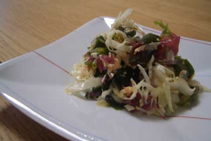 キャベツと海草のサラダ