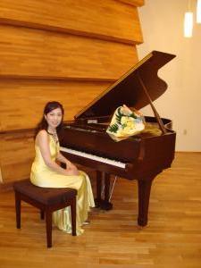 北野ホール内ピアノと