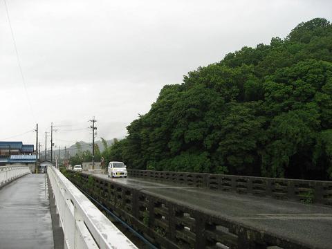 大堀橋と大堀山