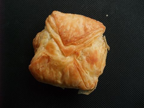 (株)お菓子のポルシェ パイさい もずくパイ