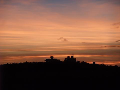 読谷飛行場滑走路跡からの夕焼け