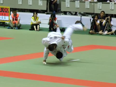 柔道競技 男子団体決勝戦 国士舘 (東京) vs 東海大相模 (神奈川) 大将戦決着