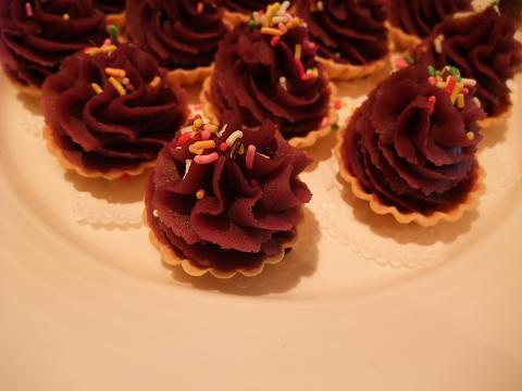 中国料理 壷中天 (ラグナガーデンホテル) 紅いもタルト