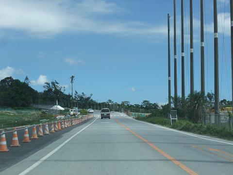 県道85号線 山里交差点 (ライカム交差点) から中城へ抜ける道
