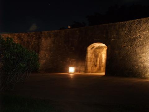 首里城入り口の夜景
