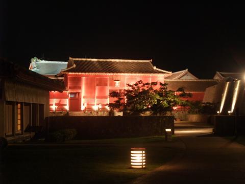 夜の首里城公園