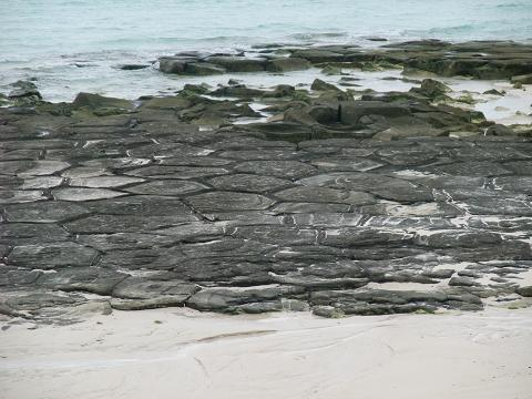 奥武島の畳石 (久米島) 2