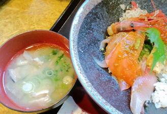 江ノ島で海鮮丼とあら汁