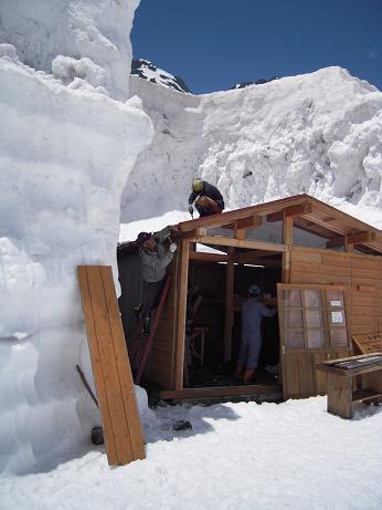 テント小屋設置1