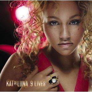 KAT DELUNA「9 LIVES」