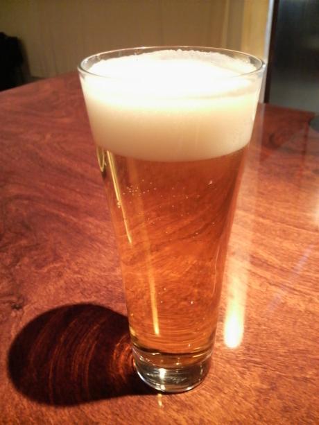お約束のビール
