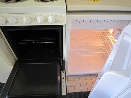 オーブンと冷蔵庫