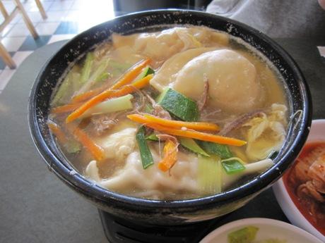 マンドゥ入り麺