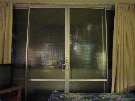 窓が・・・
