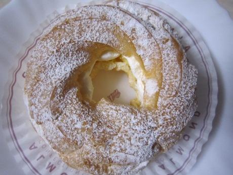アマンドのシュークリーム