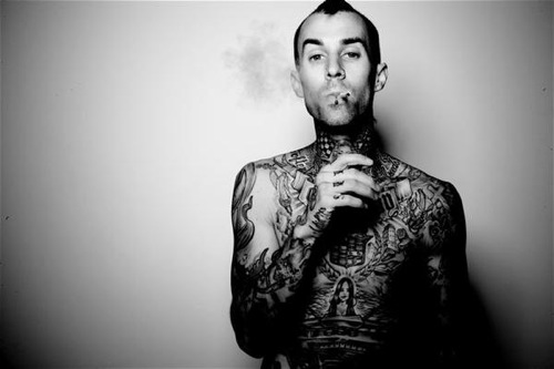 Travis Barker – Carry It Ft. Tom Morello, Raekwon & RZA