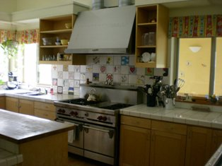 Tierra Nueva Kitchen 1 314-235px