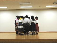 フォークダンス発表-2.JPG