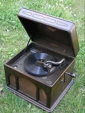 蓄音機 小サイズきれい004