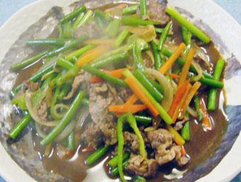 牛肉とニンニクの芽のオイスターソース炒め