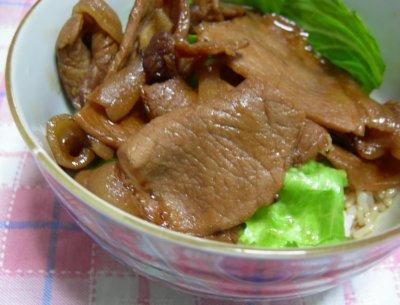 帯広名物、豚丼!