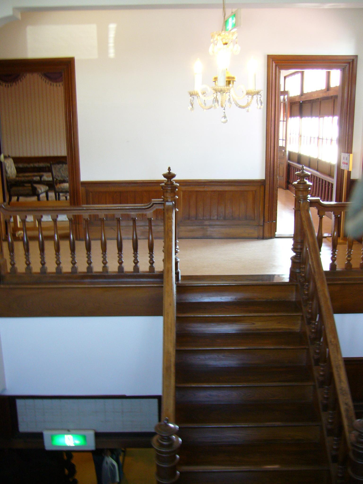 斜陽館・階段