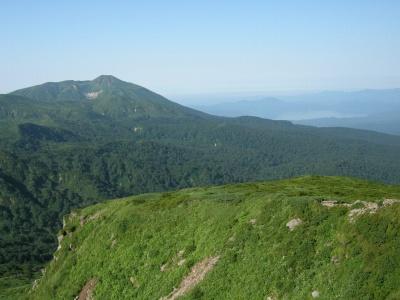 頂上から秋田駒ヶ岳