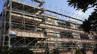 20110210マンションの足場