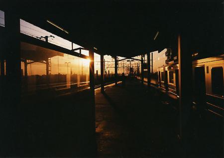 駅の夕暮れ