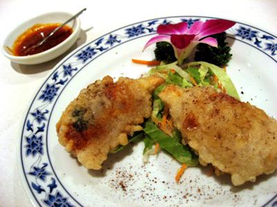 横浜中華街 第三回美食節グランプリ 重慶飯店新館「海鮮と五目野菜の包み揚げ」