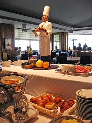 ホテル ニューグランド タワー オープン20周年記念企画 ル・ノルマンディ サマーランチブフェ